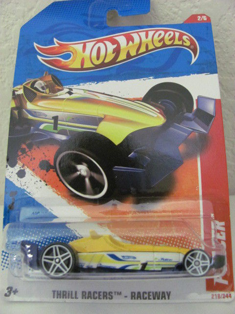 HOT WHEELS 2011 #02/06 F-RACER THRILL RACERS - RACEWAY