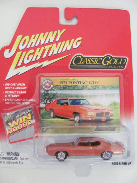 JOHNNY LIGHTNING CLASSIC GOLD 1971 PONTIAC GTO ORANGE