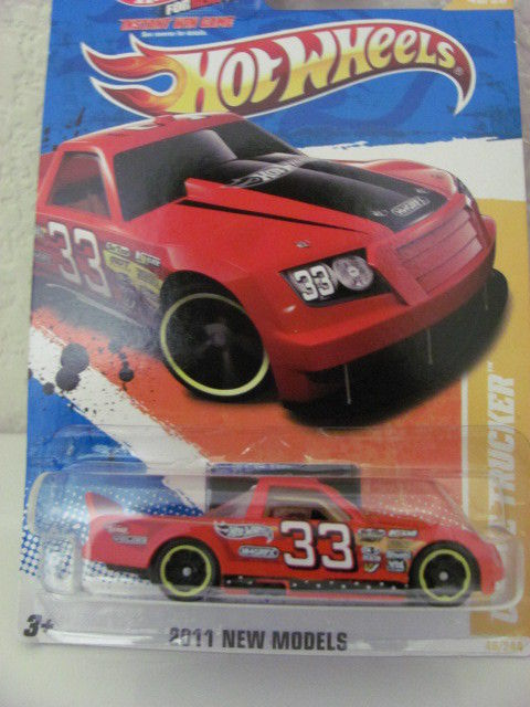 HOT WHEELS 2011 NEW MODELS #46/50 CIRCLE TRUCKER RED