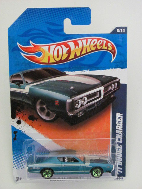 HOT WHEELS 2011 MUSCLE MANIA `11 #8/10 '71 DODGE CHARGER