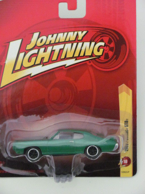 JOHNNY LIGHTNING 1969 PONTIAC GTO GREEN JL18