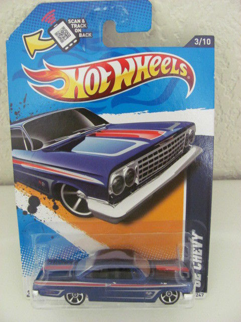 HOT WHEELS 2012 MUSCLE MANIA - GM '62 CHEVY W/ SCAN TRACK ON BACK