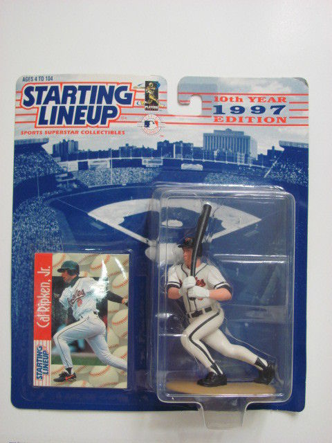 STARTING LINEUP 1997 EDITION CAL RIPKEN, JR. FIGURE AGES 4-104