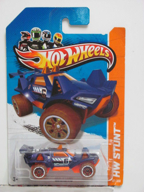 HOT WHEELS 2013 HW STUNT QUICKSAND - DESERT FORCE E+
