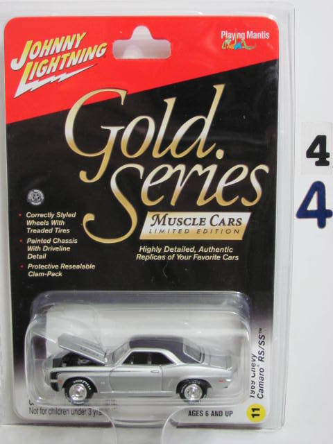 JOHNNY LIGHTNING GOLD SERIES MUSCLE CARS 1969 CHEVY CAMARO RS/SS