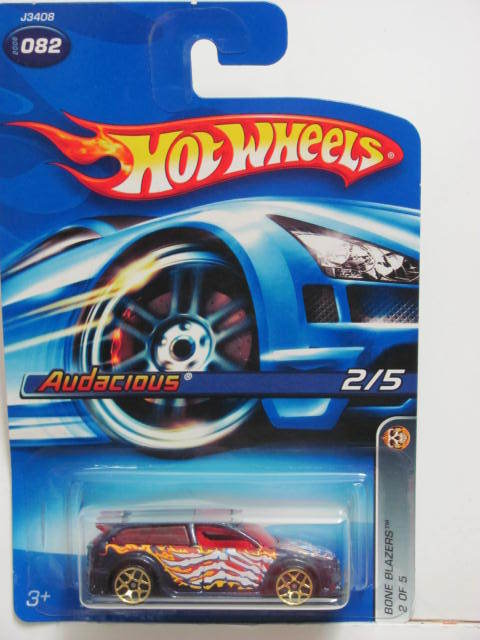 HOT WHEELS 2006 BONE BLAZERS AUDACIOUS #082