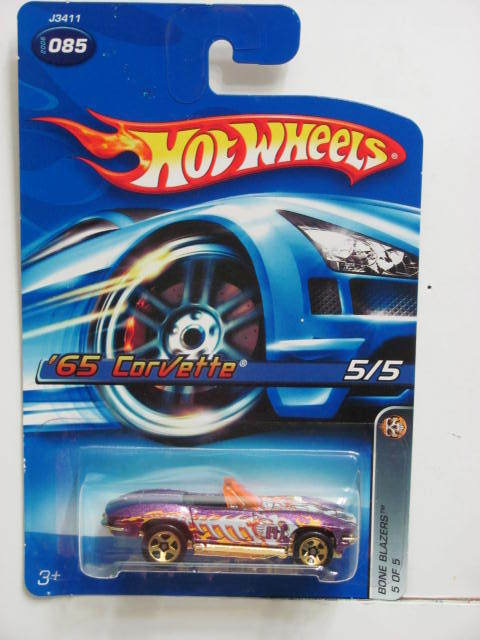 HOT WHEELS 2006 BONE BLAZERS '65 CORVETTE #085