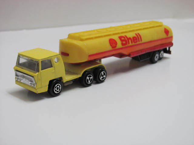 Majorette Super Tandems Yellow Bernard Tractor Trailer Shell Oil Tanker