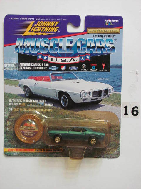 JOHNNY LIGHTNING MUSCLE CARS 1970 DODGE CHALLENGER MIB