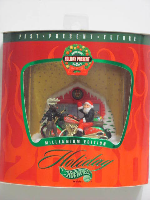 HOT WHEELS HOLIDAY PRESENT #2/3 MILLENNIUM SCORCHIN SCOOTER CHRISTMAS ORNAMENT