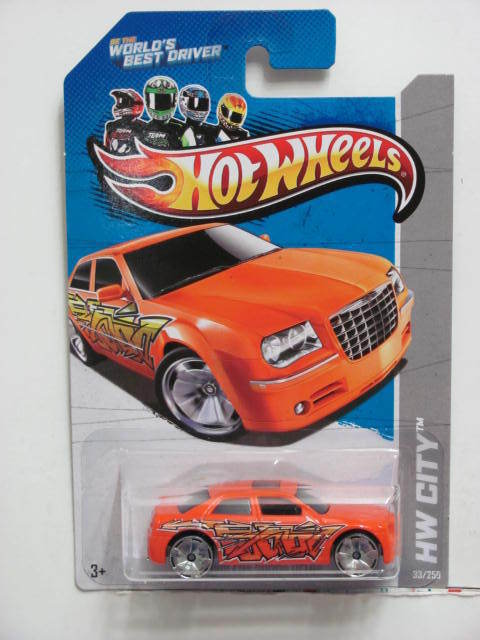 HOT WHEELS 2013 HW CITY - GRAFFITI RIDES CHRYSLER 300C HEMI ORANGE