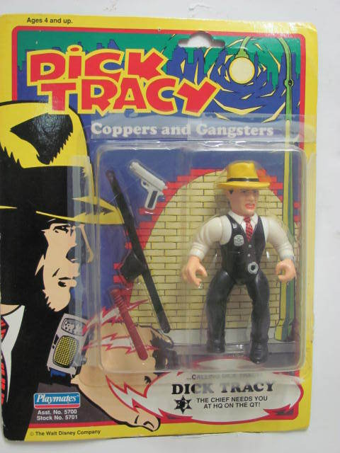 PLAYMATES DICK TRACY ACTION FIGURE COPPERS & GANGSTERS