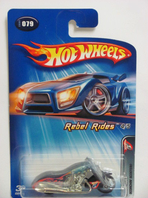 HOT WHEELS 2005 REBEL RIDES SCORCHIN' SCOOTER #079