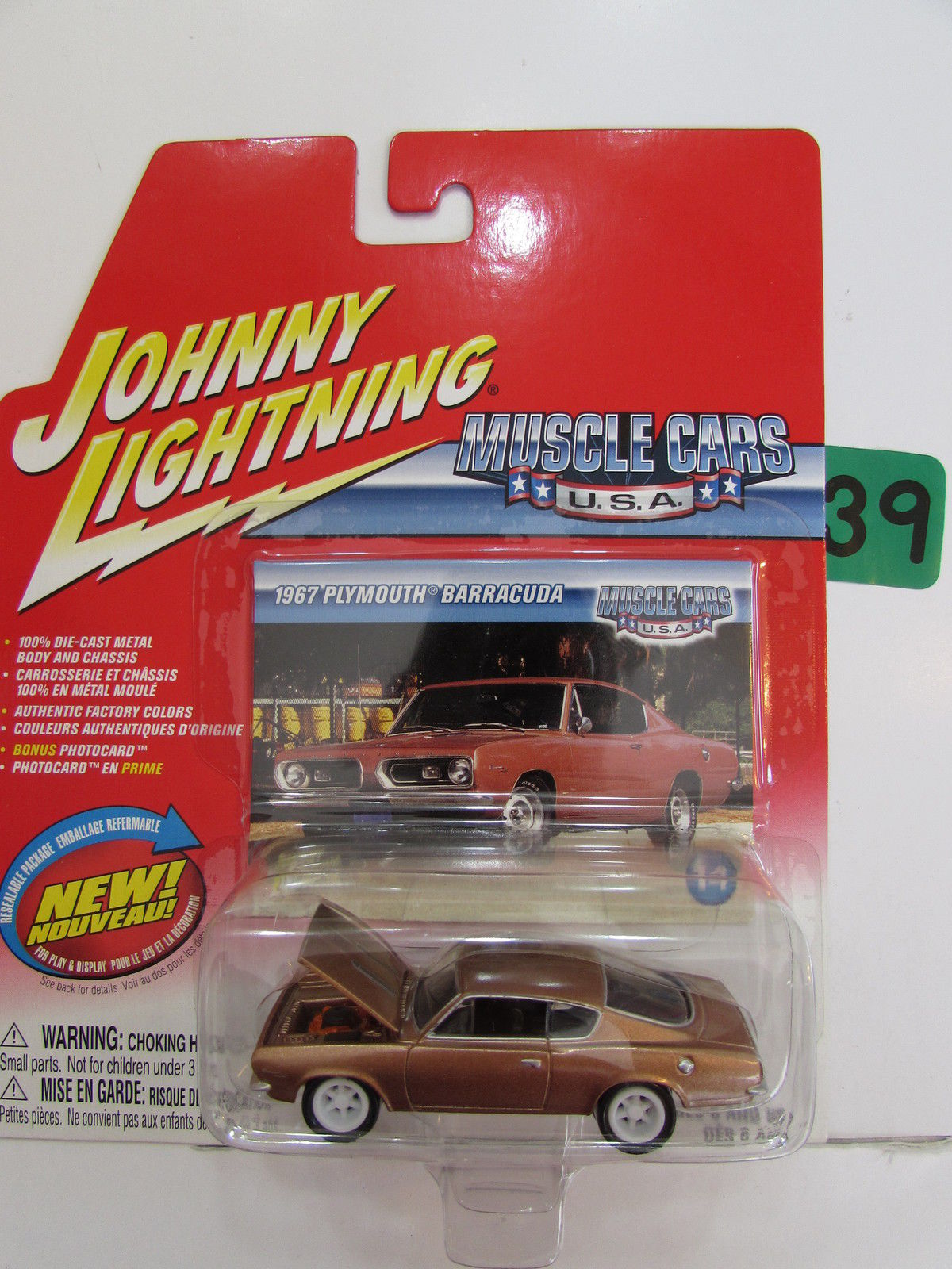 JOHNNY LIGHTNING MUSCLE CARS U.S.A 1967 PLYMOUTH BARRACUD #14 WHITE LIGHTNING