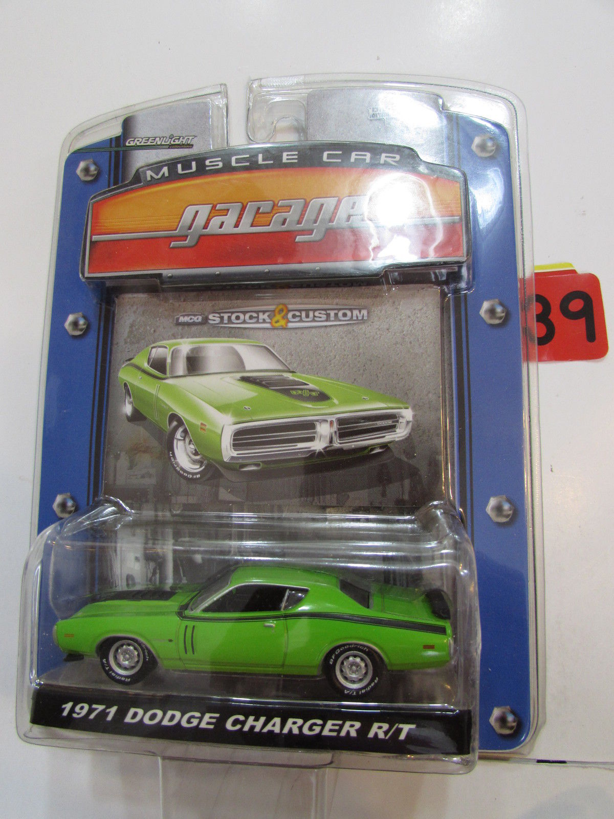 GREENLIGHT MUSCLE CAR GARAGE 1971 DODGE CHARGER R/T 1:64 SC