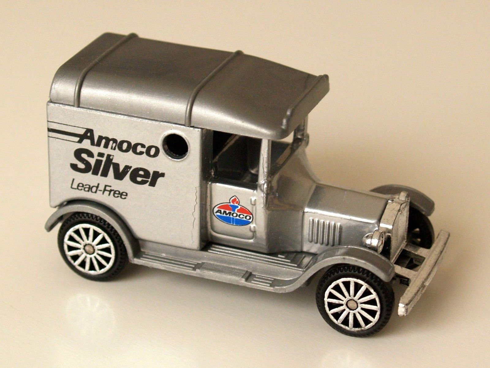 CORGI - THE VINTAGE COLLECTION - AMOCO SILVER