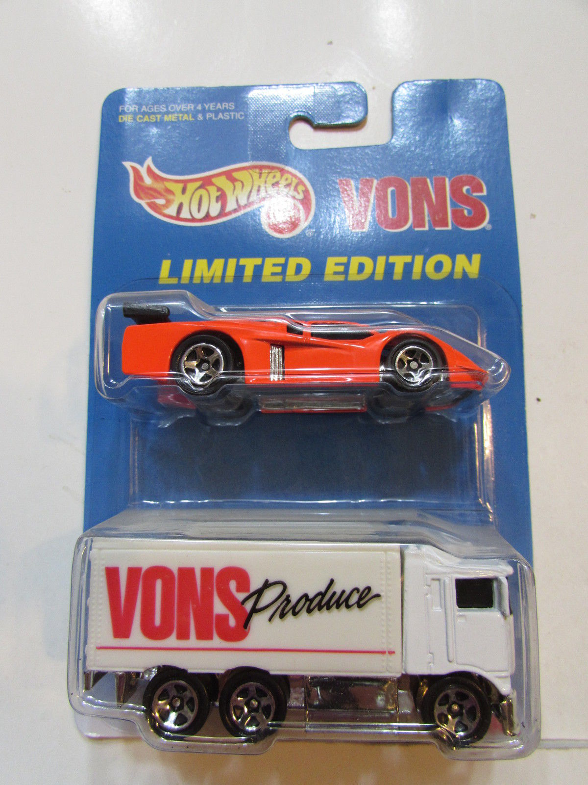 HOT WHEELS 2 CAR PACK LIMITED EDITION VONS HAULER - GT RACER