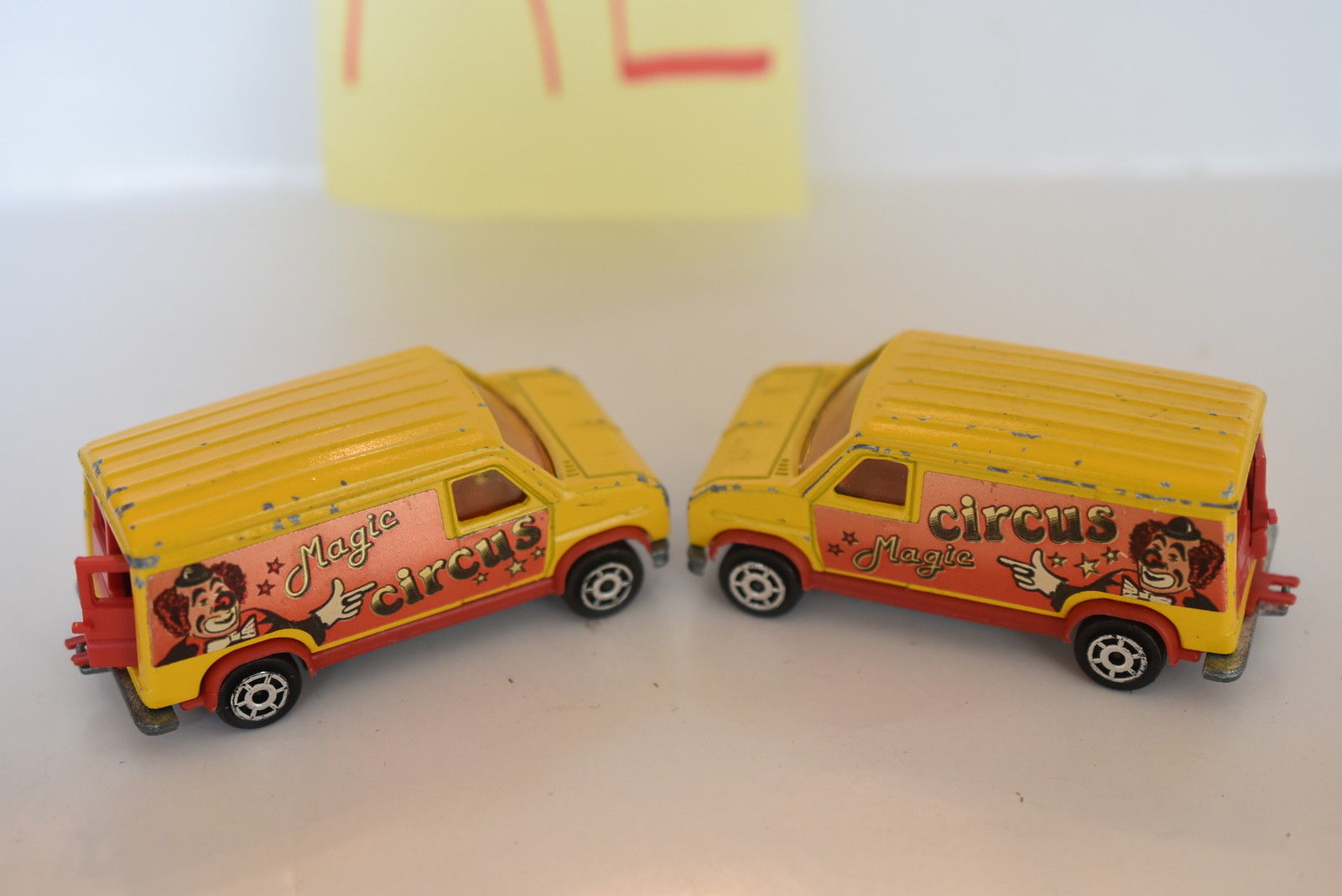 MAJORETTE LOT OF 2 LOOSE MAGIC CIRCUS FOURGON 279/234 MADE IN FRANCE SCALE 1/65