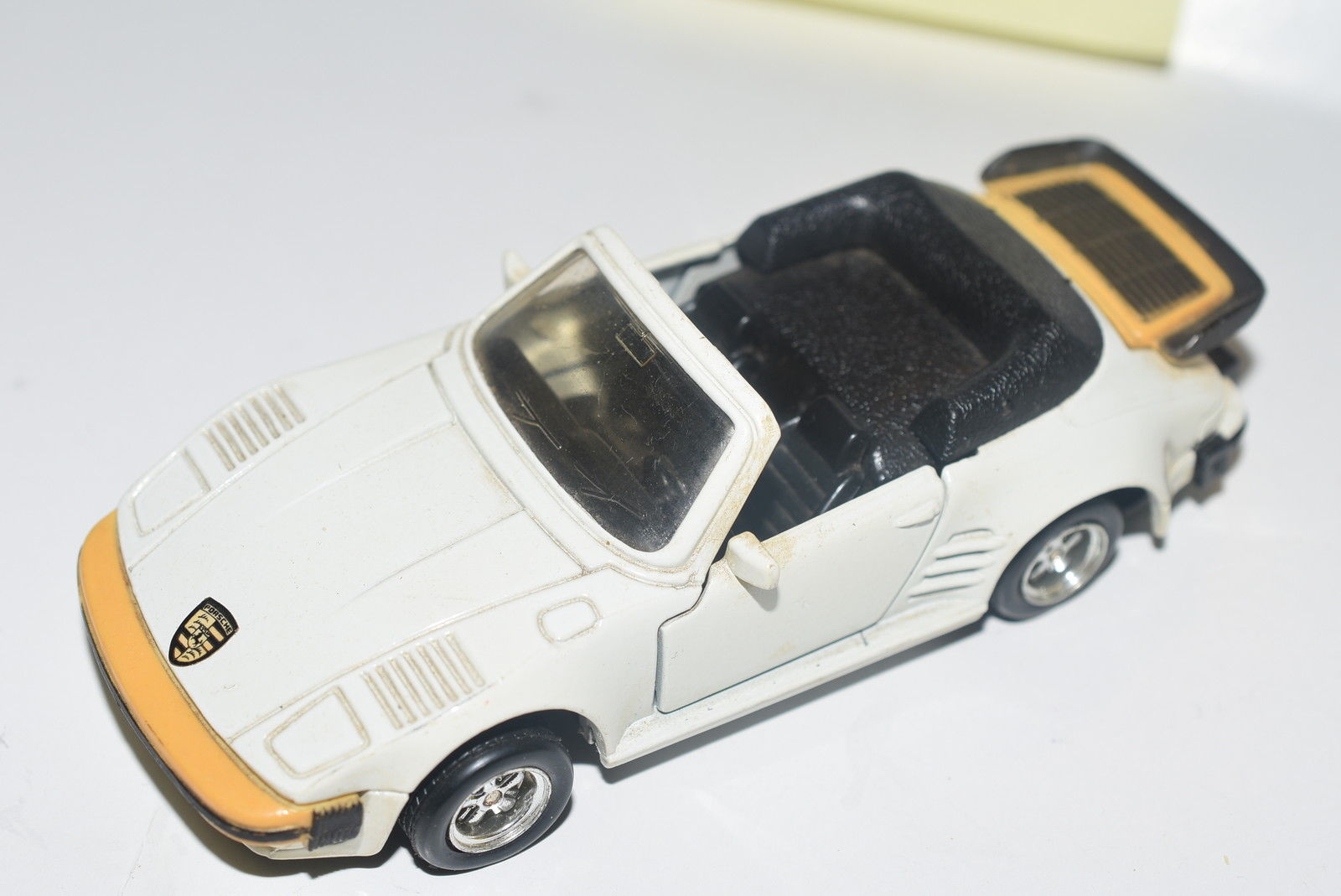 MC TOY PORSCHE 911 TURBO FLAT NOSE CABRIOLET SCALE 1/36 WHITE - LOOSE