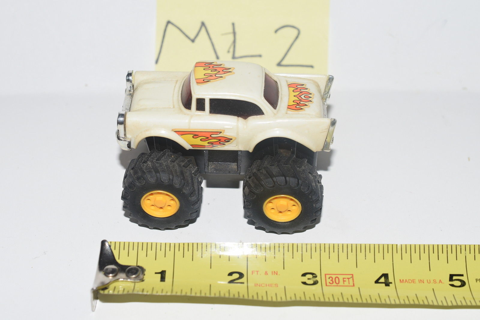 T.T TOYS CHEVY MONSTER TRUCK WHITE - LOOSE E+