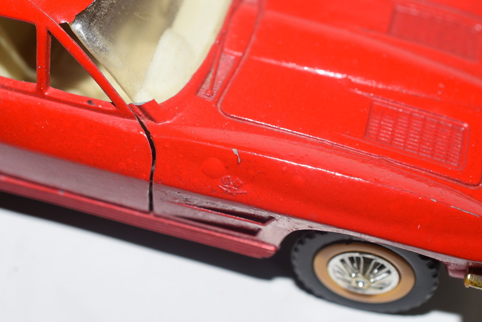 MAJORETTE '63 CORVETTE STINGRAY RED - SCALE 1/32 LOOSE