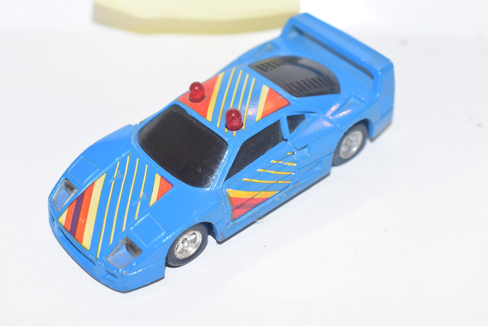 MC TOY FERRARI F 40 SCALE 1/39 MADE IN MACAU - LOOSE BLUE