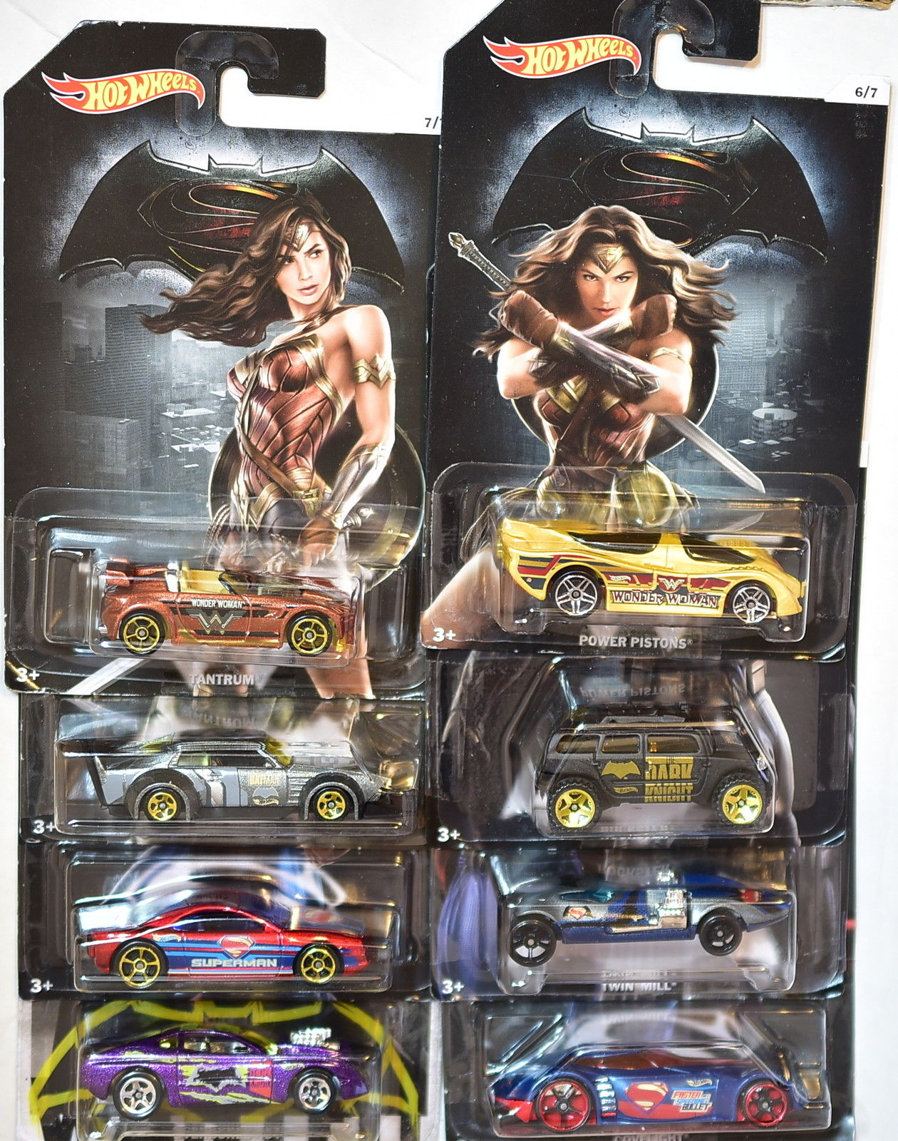 HOT WHEELS BATMAN & SUPERMAN 2016 COMPLETE SET OF 8 W/ CHASE CAR