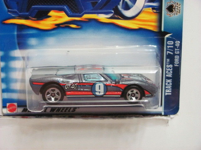 HOT WHEELS 2003 TRACK ACES 7/10 FORD GT - 40 #176 GRAY