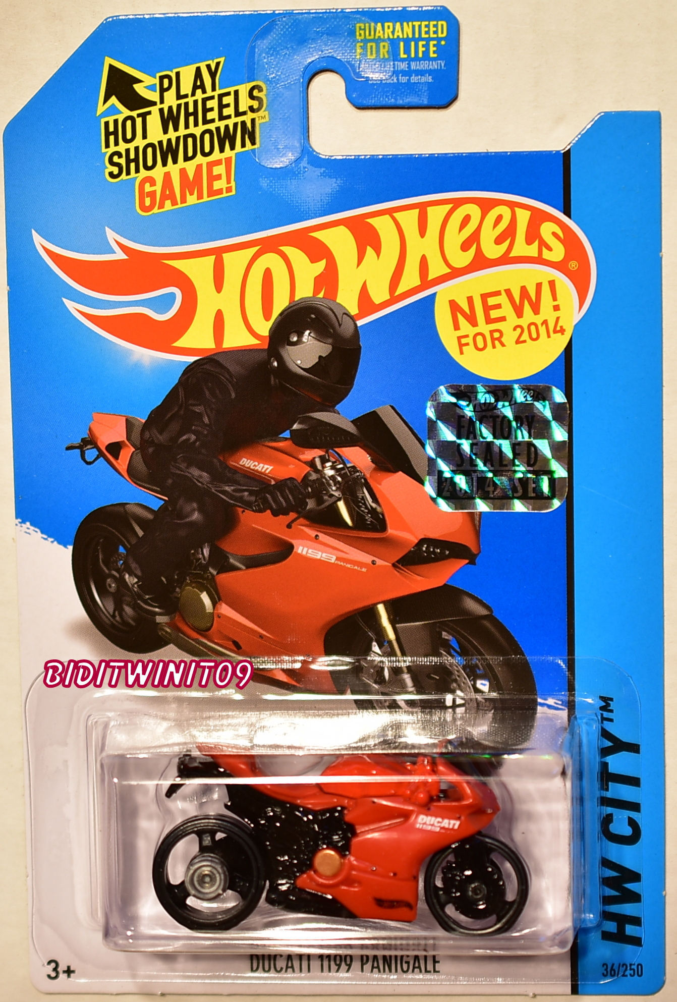 HOT WHEELS 2014 HW CITY DUCATI 1199 PANIGALE RED FACTORY SEALED