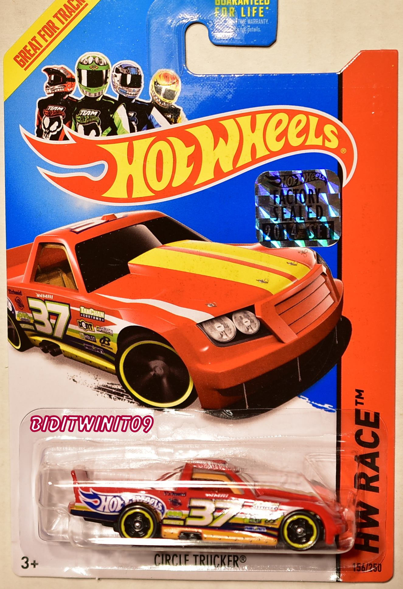 HOT WHEELS 2014 HW RACE CIRCLE TRUCKER RED FACTORY SEALED