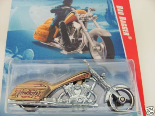 HOT WHEELS 2010 BAD BAGGER RACE WORLD-HWY 02/04