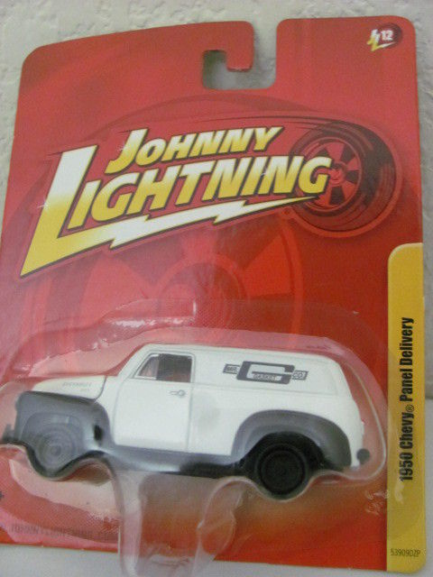 JOHNNY LIGHTNING 1950 CHEVY PANEL DELIVERY WHITE JL12
