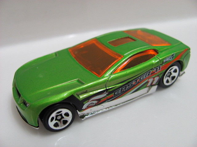 HOT WHEELS 2011 EASTER RIDES TORQUE SCREW LOOSE!!!