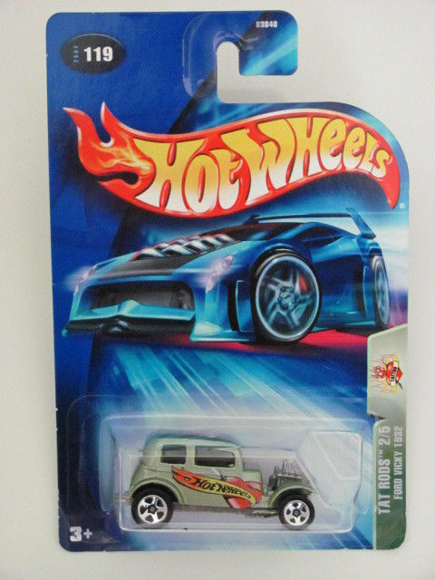 HOT WHEELS 2004 TAT RODS 2/5 FORD VICKY 1932 GREEN