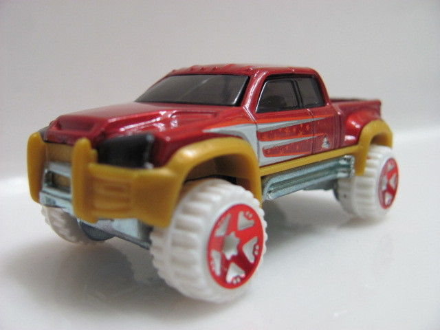 HOT WHEELS 2012 HOLIDAY HOT ROD TARGET EXCLUSIVE MEGA DUTY