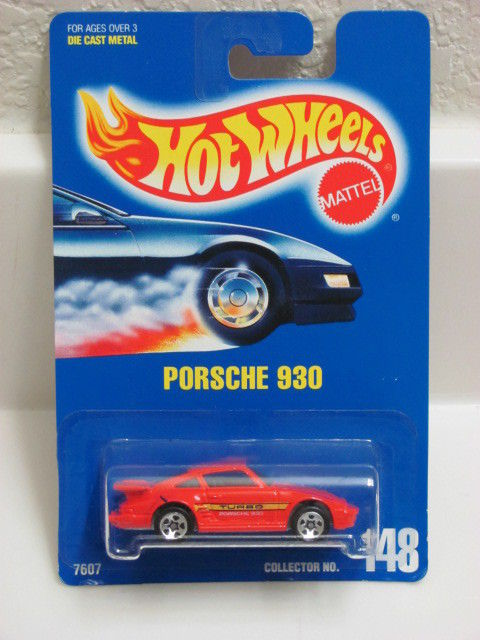 HOT WHEELS 1991 BLUE CARD PORSCHE 930 RED W/ 5 SP WHEELS