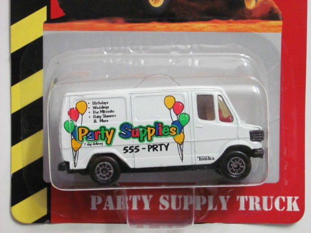 MAISTO TONKA #22 OF 50 DIE CAST METAL PARTY SUPPLY TRUCK E+