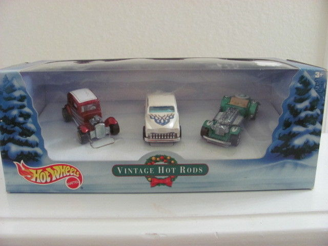 HOT WHEELS HOLIDAY VINTAGE HOT RODS - PURPLE PASSION - FORD VICKY - SWEET 16