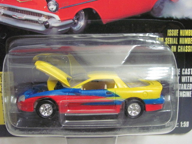 RACING CHAMPIONS HOT ROD MAGAZINE #16 '96 CAMARO 1:59 SCALE