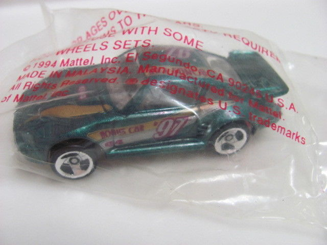 HOT WHEELS 1997 PORSCHE 930 BONUS CAR