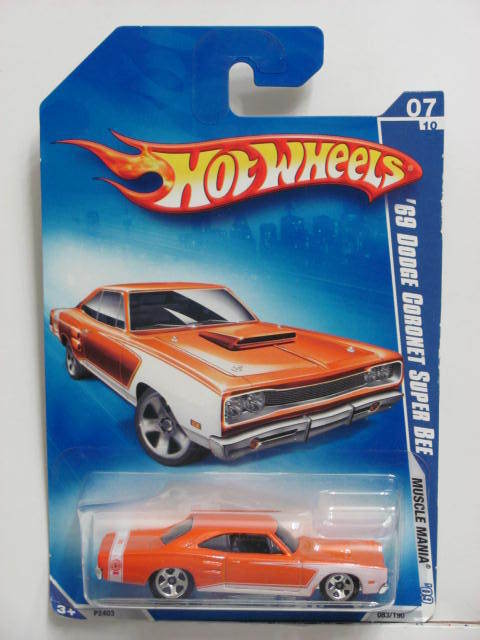 HOT WHEELS 2009 MUSCLE MANIA '69 DODGE CORONET SUPER BEE ORANGE