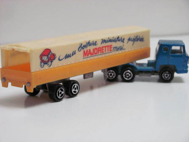 Majorette Bernard Tractor & Covered Trailer