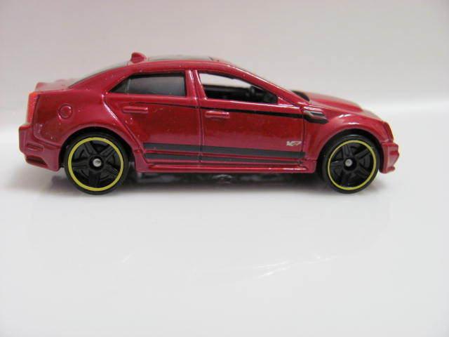 HOT WHEELS 2013 HW SHOWROOM - ASPHALT ASSAULT '09 CADILLAC CTS-V LOOSE