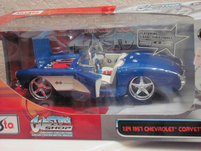 MAISTO CUSTOM SHOP 1:24 1957 CHEVROLET CORVETTE BLUE