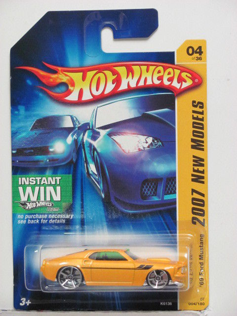 HOT WHEELS 2007 NEW MODELS '69 FORD MUSTANG #04/36 YELLOW
