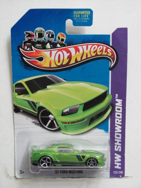 HOT WHEELS 2013 HW SHOWROOM - THEN AND NOW '07 FORD MUSTANG