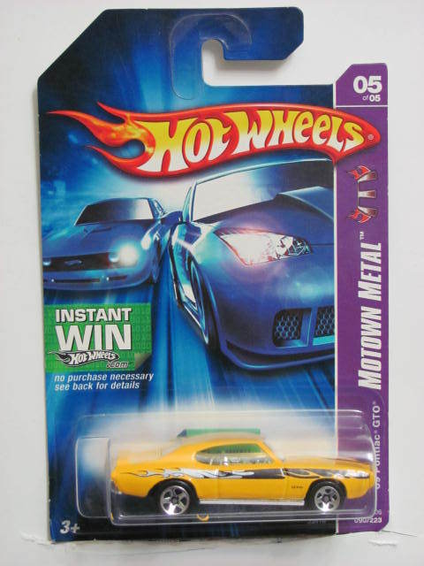 HOT WHEELS 2006 MOTOWN METAL '69 PONTIAC GTO YELLOW MIB