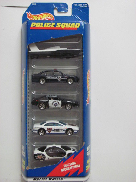 HOT WHEELS 1997 POLICE SQUAD HYDROPLANE AURORA CAMARO OLDS 5 CAR PACK