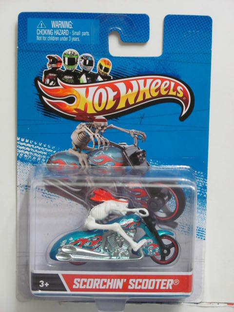 HOT WHEELS 2013 SCORCHIN' SCOOTER 1:64 SCALE