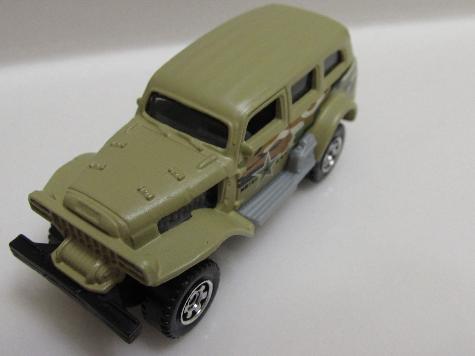 MATCHBOX 2014 ON A MISSION JUNGLE CRAWLER LOOSE